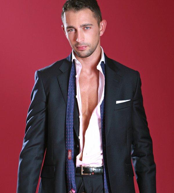 bogoss-chemise-entre-ouverte