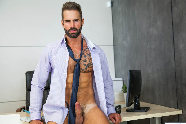 branlette au boulot gay sexe hard