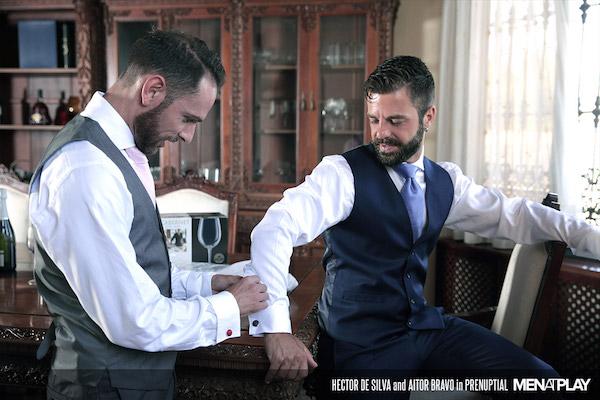 Témoin en costard cravate et marié